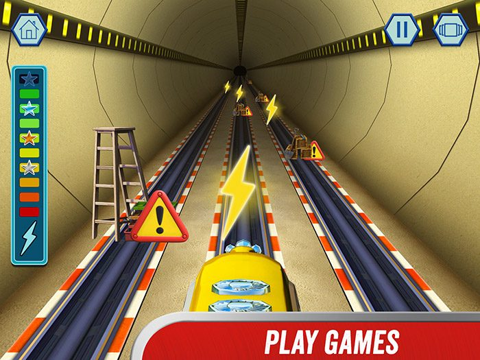 Chuggington - We are the Chuggineers screenshot showing the tunnel racer game - avoid obstacles and help Payce do her fastest tunnel run ever!